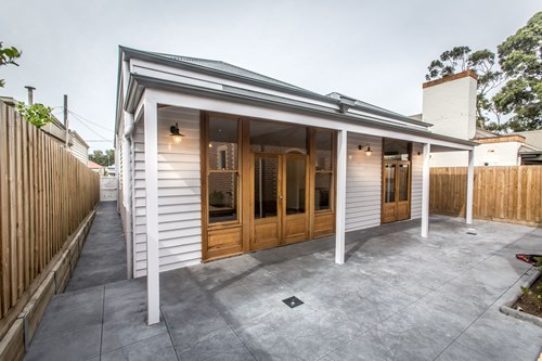 9 smart st hawthorn backyard