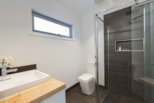 1/2a waiora pde west footscray bathroom